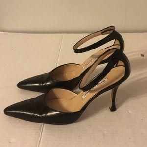 Manolo Blahnik black leather heels 38.5 8.5